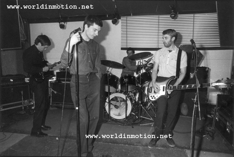 http://www.worldinmotion.net/joydivision/pictures/professional/paris1979/JD-Paris-sndcheck.jpg